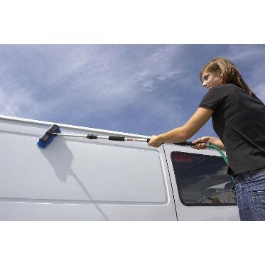 Универсальная щетка для мытья автомобилей с подачей воды Unger